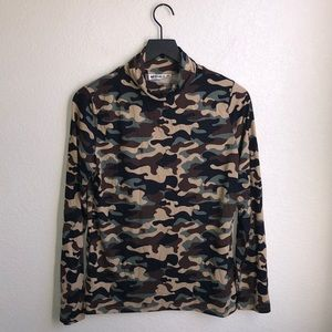 DOUBLJU Camo Mock Neck Size XL